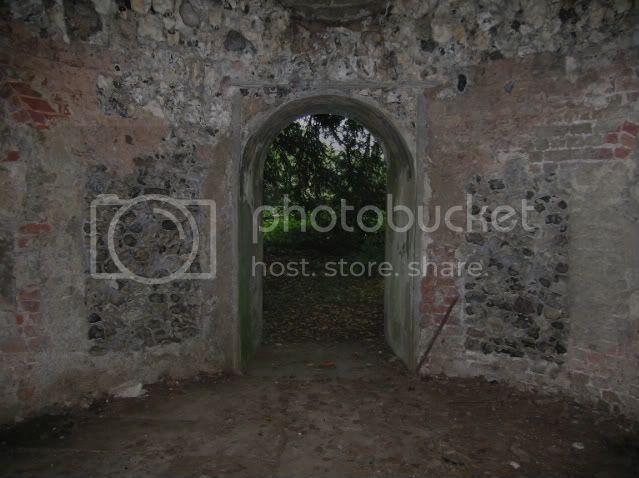 grotto039.jpg