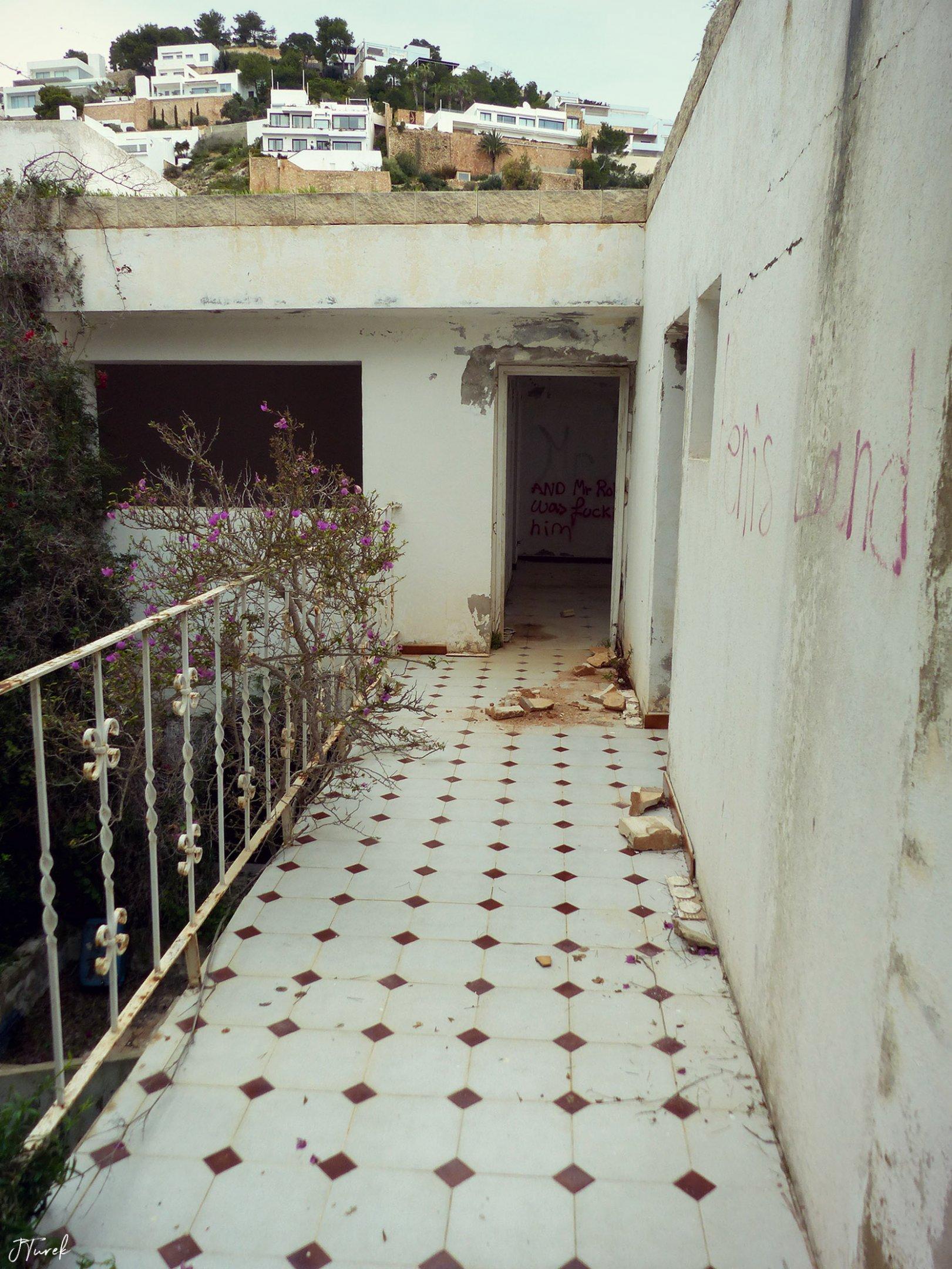 Ibiza Tile Villa 10.jpg