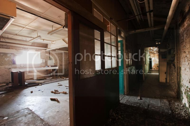 insideartdecofactory104.jpg