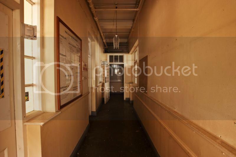insideartdecofactory315.jpg