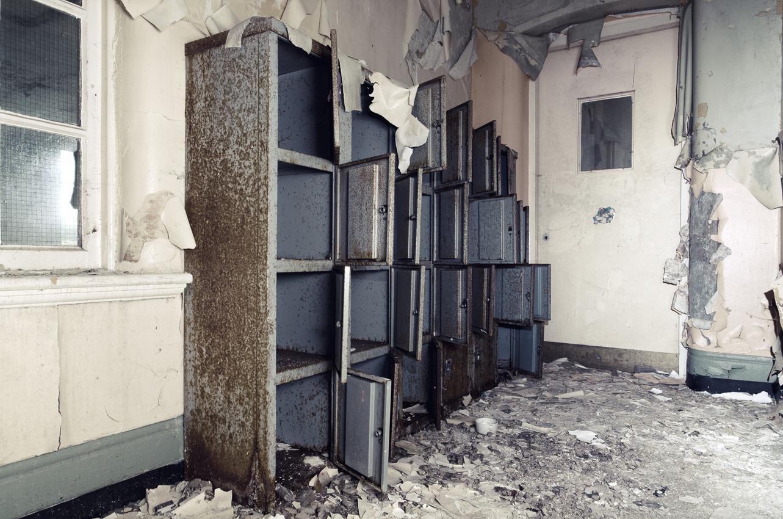 lockers rust copy.jpg