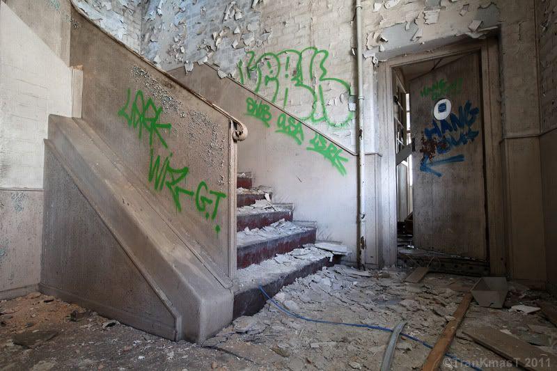 stairs2PB.jpg