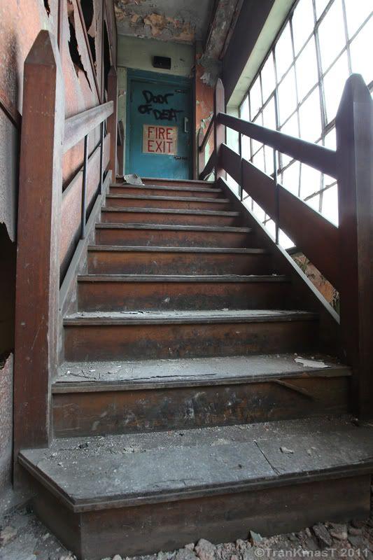 woodenstairsPB.jpg